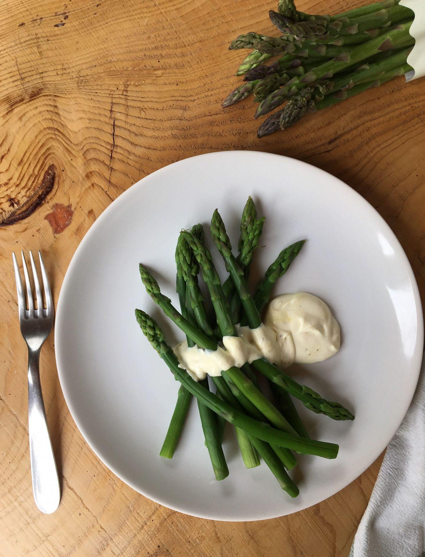 Asparagus with mustard crème fraîche