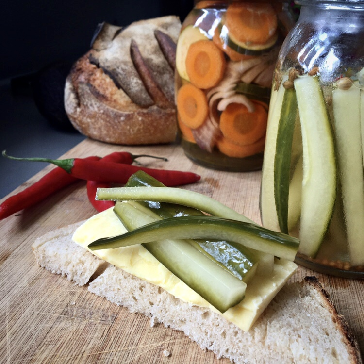 How to make fridge pickles